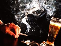 Курение провоцирует алкоголизм