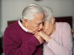 Брак пожилых людей