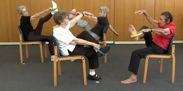йога со стулом